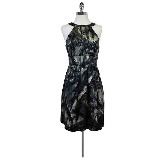 Preload https://img-static.tradesy.com/item/21297228/black-and-grey-and-abstract-short-casual-dress-size-6-s-0-0-650-650.jpg