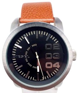 Diesel D Z1513 Black Dial Tan Leather Strap Analog Men's Watch Small Rip On Ban