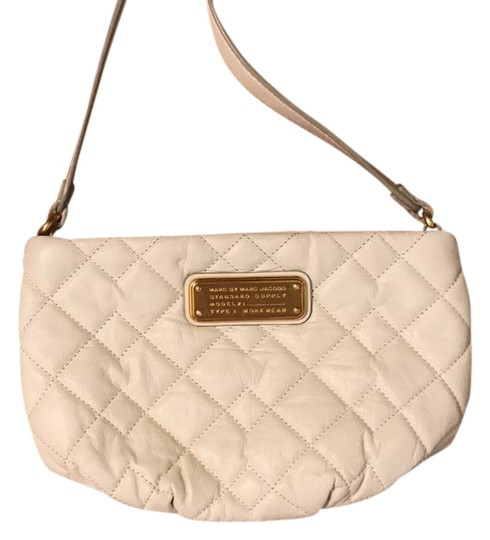 Preload https://img-static.tradesy.com/item/21298008/marc-by-marc-jacobs-new-q-quilted-percy-leche-leather-cross-body-bag-0-1-540-540.jpg
