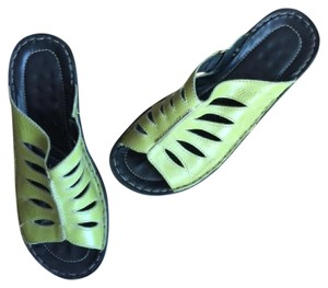 Josef Seibel Wedge Resort Festival Green Vacation Sandals