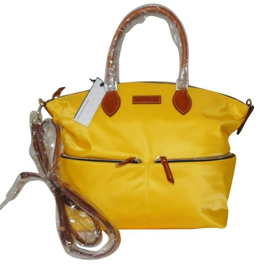 Preload https://img-static.tradesy.com/item/21298069/dooney-and-bourke-large-pocket-lemon-nylon-satchel-0-1-540-540.jpg