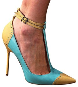 Manolo Blahnik Tiffany Blue and pale yellow color block Pumps