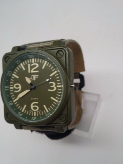 J Ferrar Men's Green Fabric Band Watch BROKEN SOLD AS IS!!! Image 1
