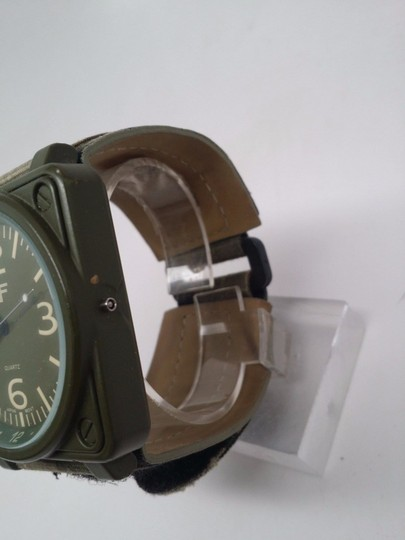 J Ferrar Men's Green Fabric Band Watch BROKEN SOLD AS IS!!! Image 2