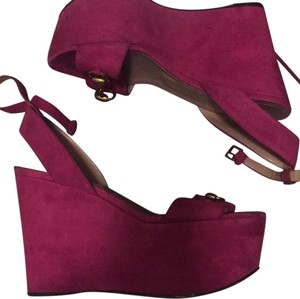 Gucci pink Wedges