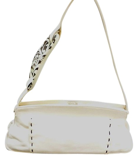 Preload https://img-static.tradesy.com/item/21300037/escada-exotics-ivory-leather-handbag-wescada-logo-design-shoulder-bag-0-1-540-540.jpg