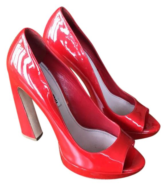 Item - Bright Red with A Bit Of An Orange/Coral Hint. Unknown Platforms Size US 6.5 Regular (M, B)