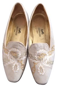 Hermès Suede Loafer Cream and gold Flats