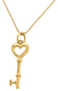 Tiffany & Co. Tiffany & Co 18K Yellow Gold Heart Key Pendant Chain Necklace Size 18