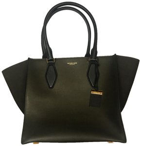 Michael Kors Purse Leather Tote in olive/black