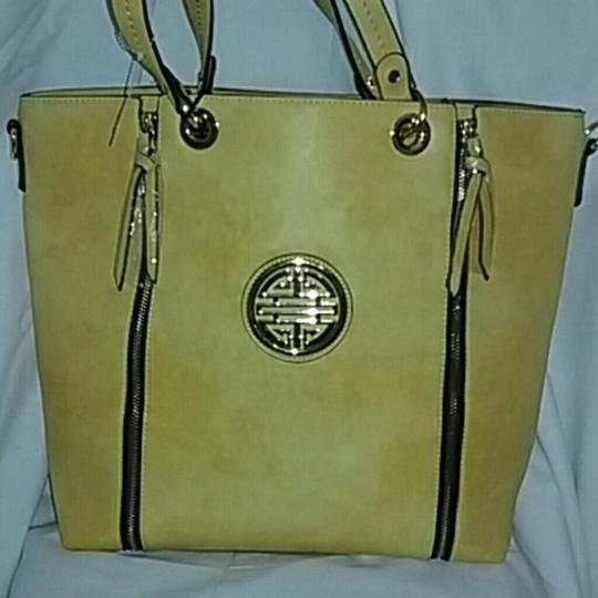 DOUBLE HAPPINESS Tote in YELLOW Image 1