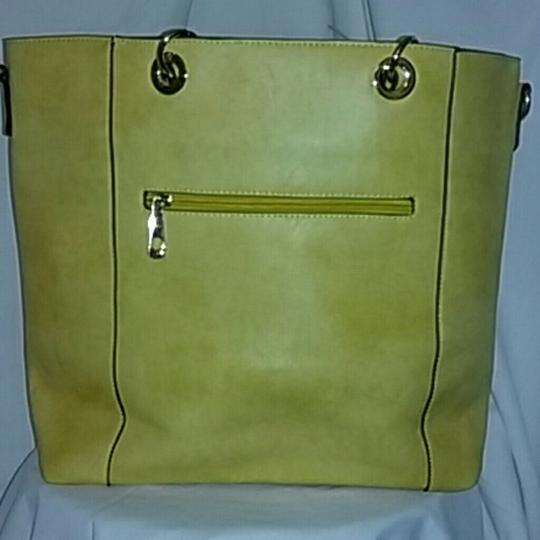 DOUBLE HAPPINESS Tote in YELLOW Image 3