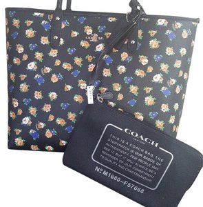 Coach Reversible Tote in Floral Printed/ Black