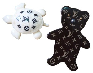 Louis Vuitton Louis Vuitton Vintage Collection - Teddy Bear and Turtle Pin