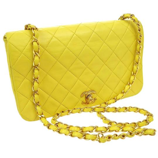 Preload https://item1.tradesy.com/images/chanel-classic-flap-classic-single-chain-yellow-monogram-leather-cross-body-bag-2130685-0-2.jpg?width=440&height=440
