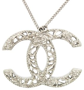 Chanel Oversized CC Textured Floral Necklace