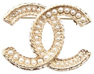 Chanel #11687 2016 CC pearl gold hardware brooch pin charm