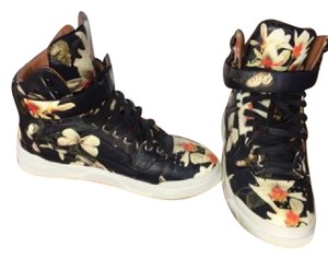 Givenchy black m floral Athletic