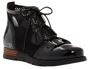 Sorel Mesh Lace Up Patent Leather Lug Black Boots