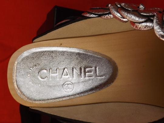 Chanel Floral Wooden Leather G31839 Silver Mules Image 8