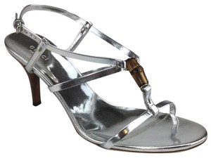 d64877481 Silver Gucci Sandals Slim Up to 90% off at Tradesy