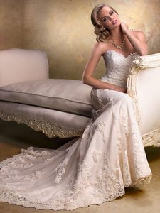 Maggie Sottero Ivory Lace Emma Formal Wedding Dress Size 8 (M)