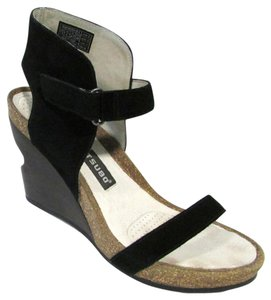 Tsubo Sandals Suede Cork Comfortable Wedges