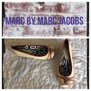 Marc Jacobs Nude/Red Flats