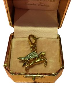 Juicy Couture NEW!! JUICY COUTURE EXTREMELY RARE GOLD & PAVE WINGS PEGASUS CHARM!