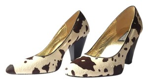 Deena & Ozzy Ponyhair Urban Outfitters Cone Heels Cow Print Spotted White & Brown Pumps