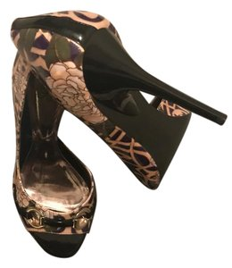 Carlos by Carlos Santana Black, Purple & Peach Pumps