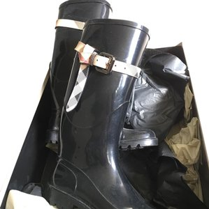 Burberry Black and House Check Boots