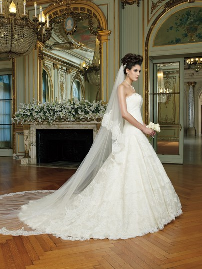 David Tutera for Mon Cheri Ivory Lace and Tulle 212246 Mindy Traditional Dress Size 14 (L)