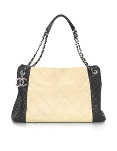 Chanel Quilted Leather Cc Tote in Beige and black