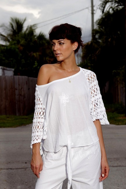 Lirome Embroidered Crochet Cottage Chic Red Top White Image 3