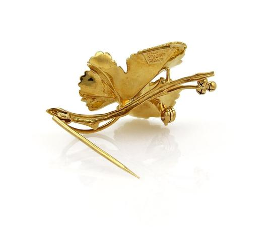 Tiffany & Co. Vintage Maple Leaf Brooch in 18k Yellow Gold Image 3