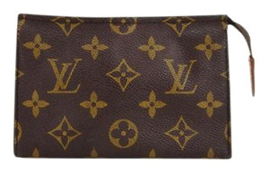 Louis Vuitton Pochette 15 Monogram Canvas Toiletry Cosmetics Travel Dopp Bag