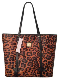 Dooney & Bourke Tote in Brown/Black