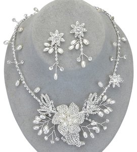 Hand-made Flexi-wire Rhinestone Pearl Flower Bridal Wedding Evening Necklace