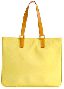 Louis Vuitton Tote in Yellow