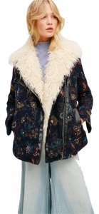 Free People Floral Print Faux Fur Detailing Hidden Side Pockets Front Zip Pocket Zippered Cuffs Pea Coat