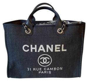 Chanel Deauville Tote in navy