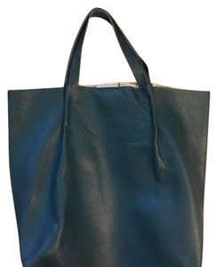 Charles David Tote in green