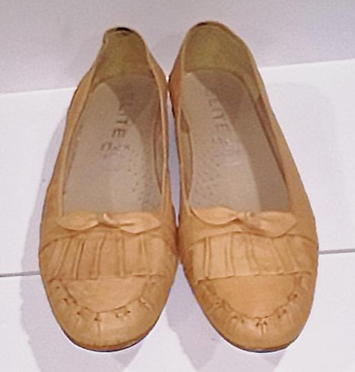 Other Comfortable Neutral Tan Beige Flats Image 1