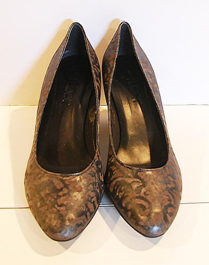 Other Leather Comfortable Pewter metalic Pumps Image 2