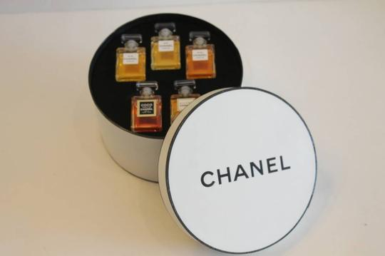 Chanel New The Art of Chanel Assorted Parfum Perfume Round Hat Box Display Image 2