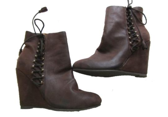 Preload https://item4.tradesy.com/images/coconuts-brown-helena-bootsbooties-size-us-85-2132478-0-0.jpg?width=440&height=440