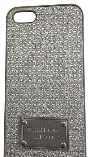 Preload https://img-static.tradesy.com/item/21324819/michael-kors-silverpave-crystals-iphone-5-case-iphone-6-case-each-total-tech-accessory-0-1-540-540.jpg