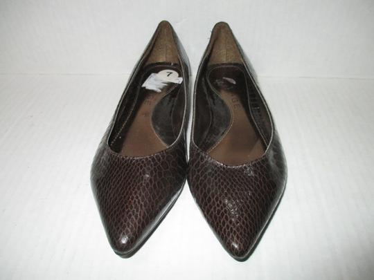 Rampage Pointed Toe Rubber Sole Padded Insoles Brown Snakeskin Patent Flats Image 2