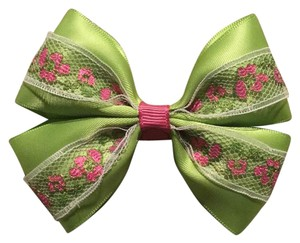 Other Handmade apple green satin bow on aligator clip.